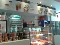 Fresh fruit and drinks are available too. Также есть точка со свежими фруктами и напитками.