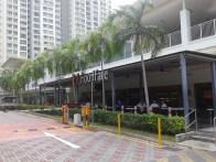 Functional facilities including food court, drugstore, and supermarket. В общине также имеются столовая, аптека и супермаркет.
