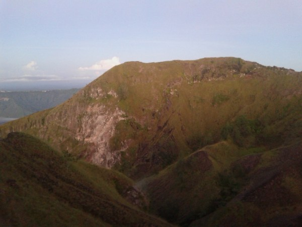 вулканический кратер