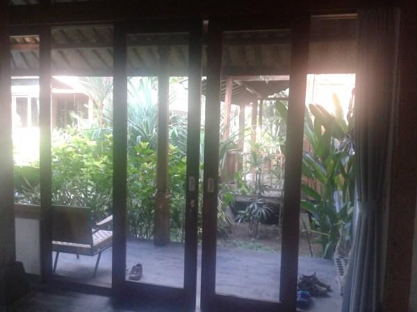 гигантские двери-окна